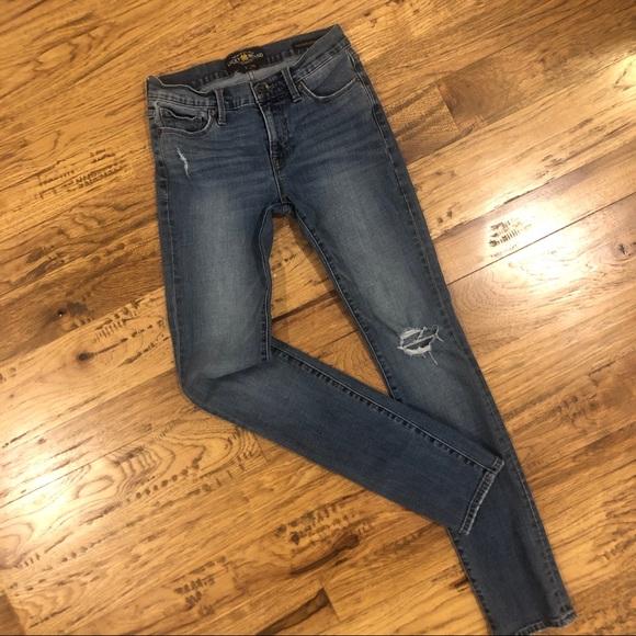 Lucky Brand Denim - Lucky Brand Brooke Straight Jeans 2/26